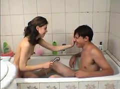 Cute little teen girlfucked by brother in thebath